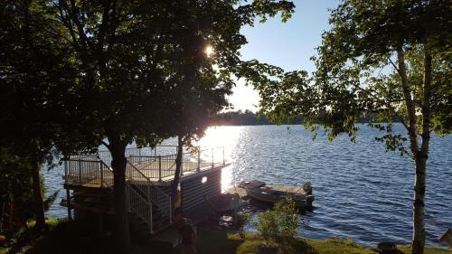 Beautiful Balsam Lake Villa