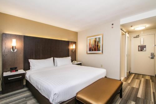 Holiday Inn Express - Downtown San Diego