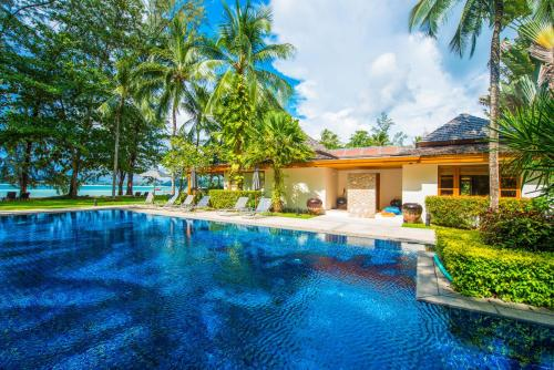 Beachfront Villa at Bangtao