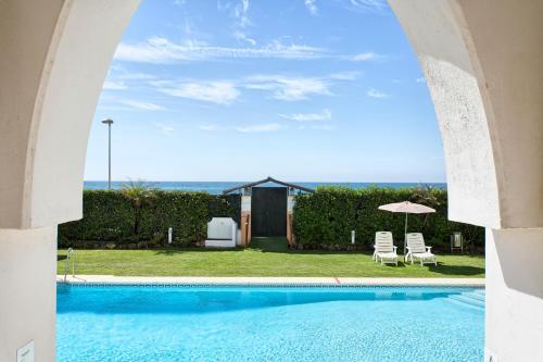 Luxe Appartement Puerto Banus tesisinde veya buraya yakın yüzme havuzu