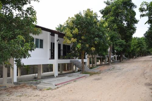 Thong Rhung Garden Home
