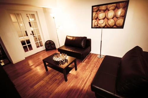 6th Ave Apartment