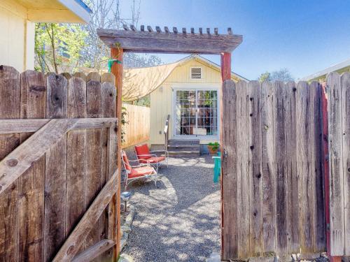 18052 Greger Street Sonoma Cottage Cottage