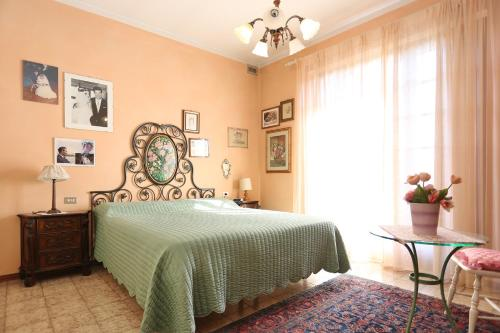 A bed or beds in a room at Villa Vittoria