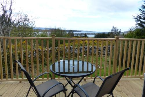 A balcony or terrace at Aultbea Lodges