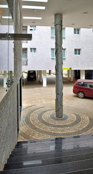 The Zehneria Portico