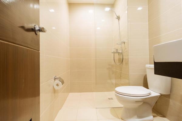 RedDoorz Premium @ Venice Luxury BGC 1