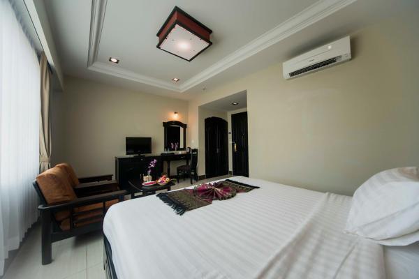 Rock Royal Hotel & Resort