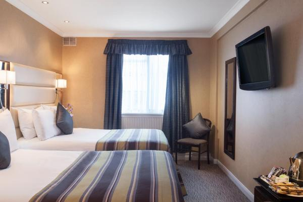 Park Grand Hotel London
