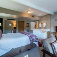 All Seasons River Inn Suite D