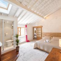 Stunning Apartment Place de la Canourgue