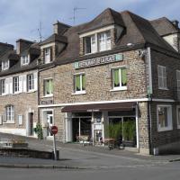 """Hôtel de la Place """"Chez Fanny"""""""