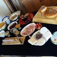 Hirondelle Farm House & Tearoom