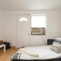 Two Bedroom Apartment in Dundas West