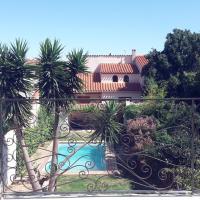 Maison avec piscine et jardin commun