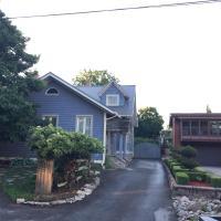 Blue Cedar Century Vacation Home Niagara Falls Ontario