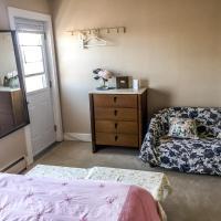 Admiral's Quay Motel & Suites