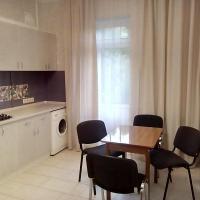 Na Epronovskoy Apartment