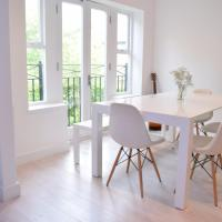 Stylish 2Bed Apartment in Queen's Park