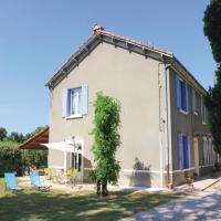 Three-Bedroom Holiday Home in Verquieres