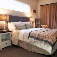 10 Cairns Apartment