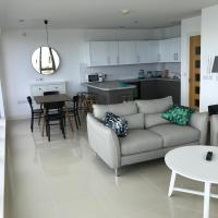 Luxury Eden Bay Penthouse with Surf ' Sea Views
