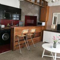 Flat with superb parkview location