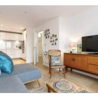 Modern 1 Bedroom Flat w/ Balcony Hackney Central