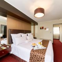 Thunderbird Hotel Carrera