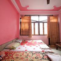 Cozy Stay near Nizamuddin Station