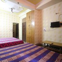 Comfortable Room near Nizamuddin Railway Station
