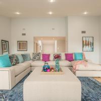HOLLYWOOD HILLS HOME-POOL–VIEWS- LAKE- SIGN