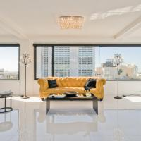 Penthouse with Panoramic Views and Entertaining Rooftop