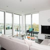 Stylish Penthouse in S.W London