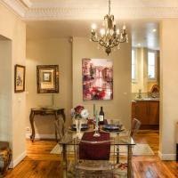 Le Tresor de Montmartre, Paris: elegant 2 bed apartment