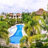 Private Escape nearby beach. Huge Pool and BBQ!