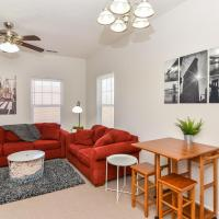 ☆Updated Uptown 2BR Apt + Fully Equipped/Furnished, 5 Min Downtown☆