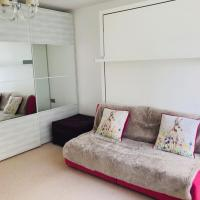 central London stylish newly decorated studio