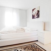 Junior Suite Apartment by Livingdowntown