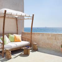 Four Hearts - Acre's Sea Side Suite