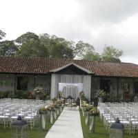 Hotel Hacienda El Roble