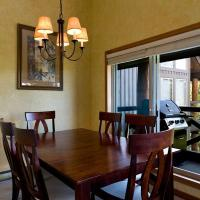 Benchlands Townhomes by Blackcomb Peaks Accommodation