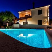Holiday Home Villa Pula