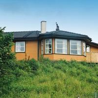 Five-Bedroom Holiday home in Auklandshamn 1