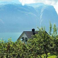 Five-Bedroom Holiday home in Valldal