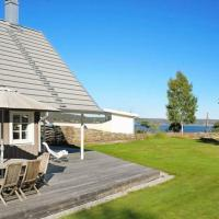 Four-Bedroom Holiday home in Hjälteby