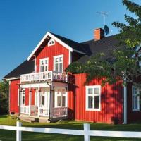Six-Bedroom Holiday home in Pauliström