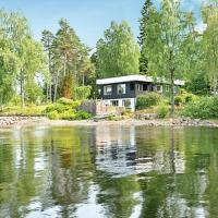 Four-Bedroom Holiday home in Hindås