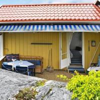 Three-Bedroom Holiday home in Kärna