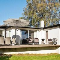 Three-Bedroom Holiday home in Beder